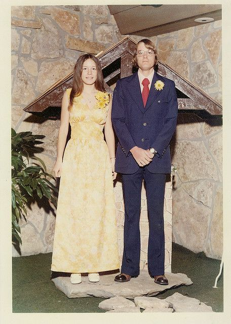 1970\'s Prom Fashion | The Magnetic Bowtie